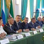 Руководители Татарстана и Тюменской области вручили госнаграды